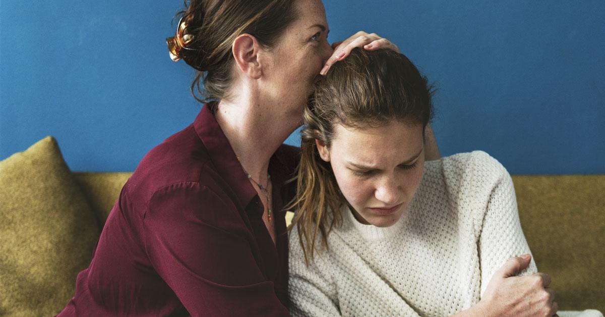 mother-daughter-upset